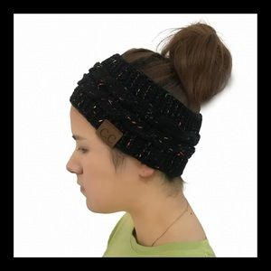 Accessories - ❗️NEW❗️Knitted Ear Wraps for Winter